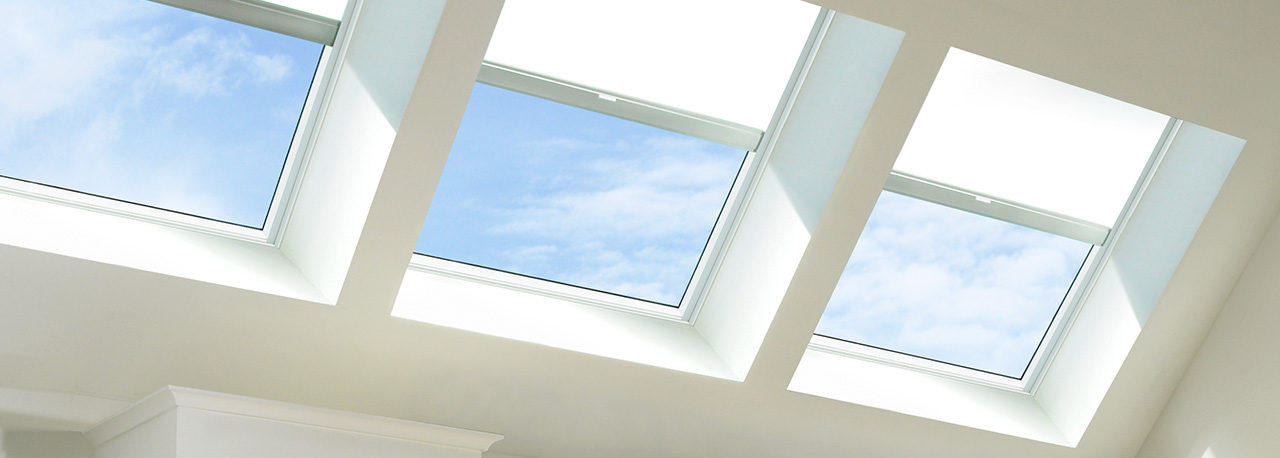 Velux skylight solar blinds solar shades for Velux solar powered blinds