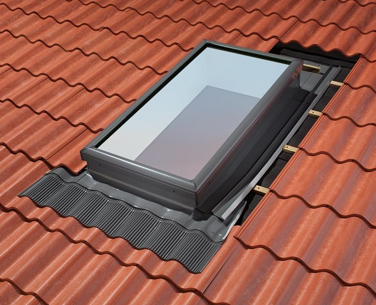 Tile roofing EDW skylight flashing kit